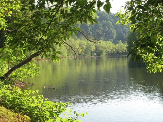 River's Edge Camping & Cabins: Beautiful Youghiogheny River