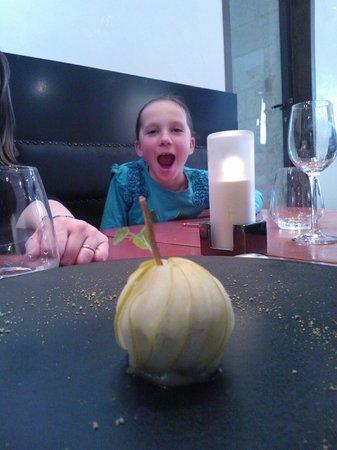 et lily croque la pomme