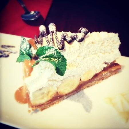 a room in the town: yummy banoffee pie!