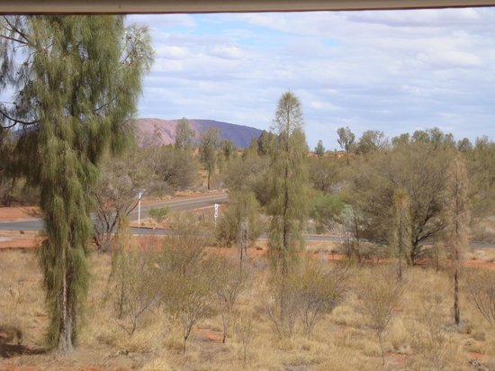 Desert Gardens Hotel, Ayers Rock Resort: View from balcomy