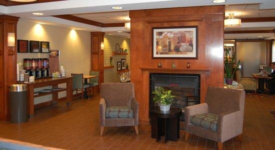 Hampton Inn Hadley-Amherst: Lobby