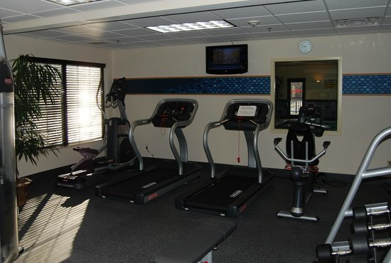 Hampton Inn Hadley-Amherst: Fitness Room