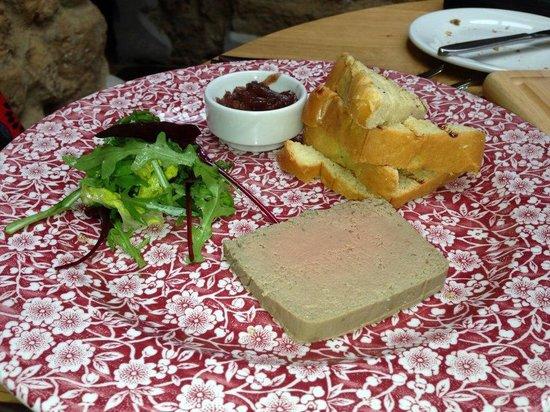 The Three Pigeons Inn : Homemade Smooth Chicken Liver Parfait