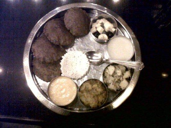 MIles Motel Rajpura Haveli: navratra special thali