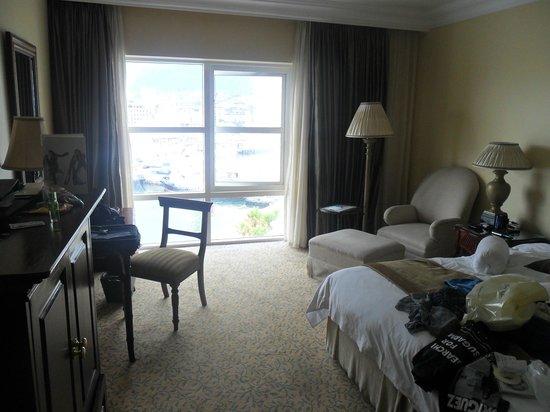 Hampton Inn Detroit Roseville: Table Bay Hotel Cape town, ZA. always another option.