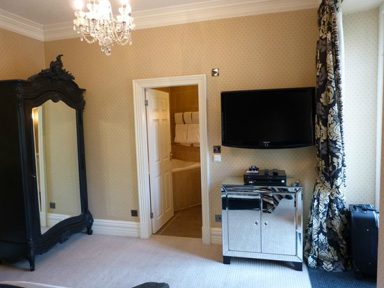 Cranleigh Boutique : Room 10 from the bed