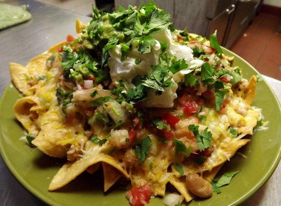 La Fonda Mexican Restaurant: Now THOSE are some nachos!