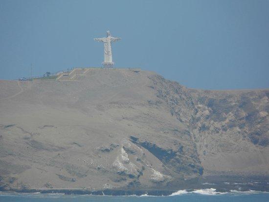 Barranca, Peru: Cristo Redentor en el cerro Colorado