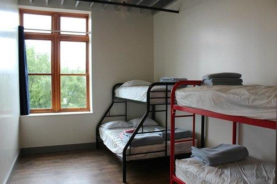 Nashville Downtown Hostel: Dorm Rooms with Bunk Beds
