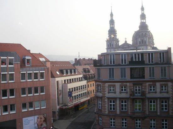 Barbarossa Garni Hotel: View from breakfast room