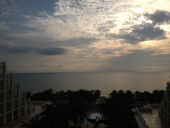 Hotel Riu Palace Pacifico: Watch the sunset every evening