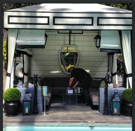 Viceroy Santa Monica: Poolside Cabana
