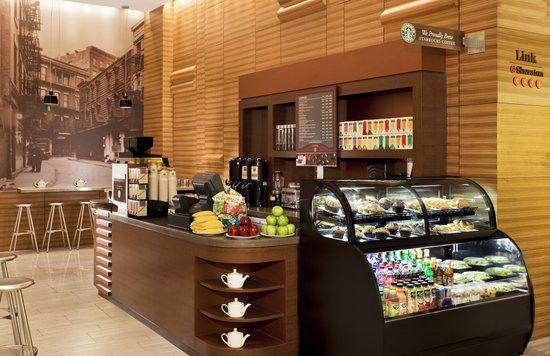 Sheraton Tribeca New York Hotel : Starbucks Cafe
