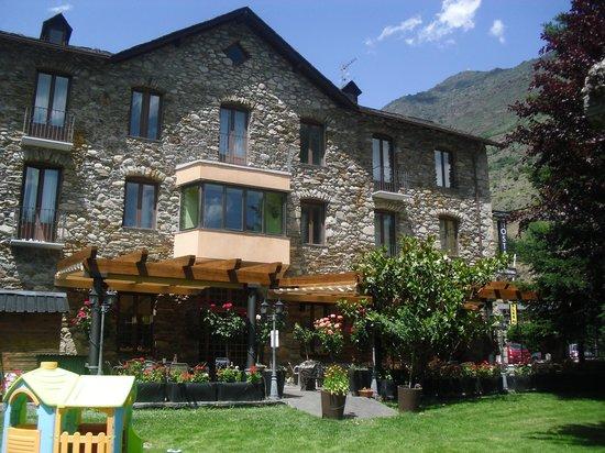 Esterri d'Aneu, Espanha: Fachada Hostal Vall d'Aneu
