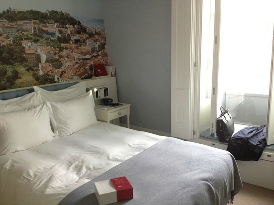 LX Boutique Hotel: room, small bu cozy
