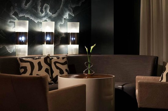 Blue by Eric Ripert lounge