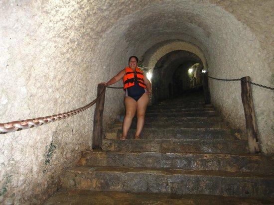 Cenote Ik kil: Escalinatas para el Cenote