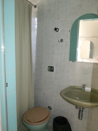 Bittar Inn : baño