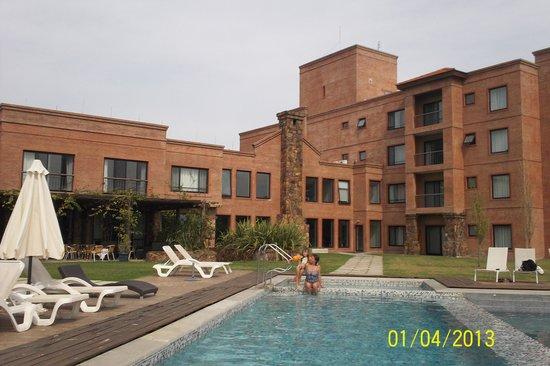 Regency Park Hotel + Spa: Piscina