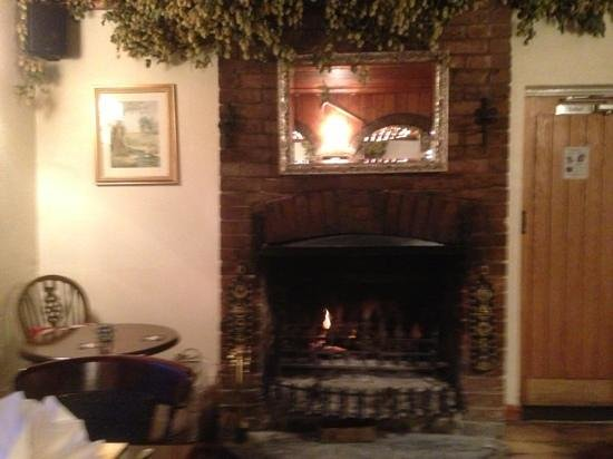 The Hare & Hounds: warm by the fire