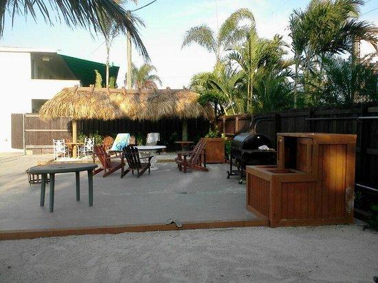Creekside Inn Islamorada : the patio