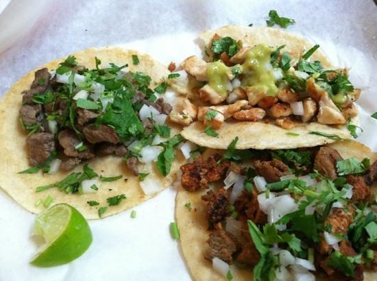 Taqueria El Potrero: delicious tacos!!!