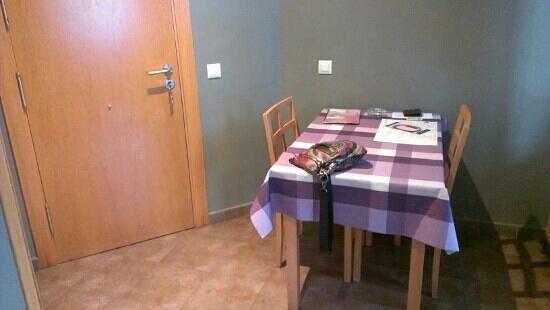 Apartamentos Rurales Los Picos: Mesa