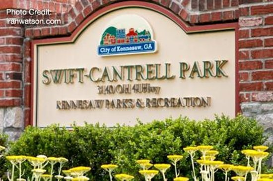 Swift-Cantrell Park: Entrance Sign