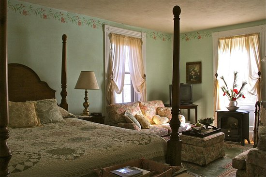 The Ira Allen House Bed and Breakfast: The Abigail Suite.