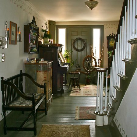 The Ira Allen House Bed and Breakfast: The foyer.