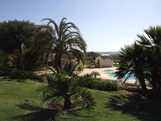 Relais Torre Marabino: from the garden to the hotel
