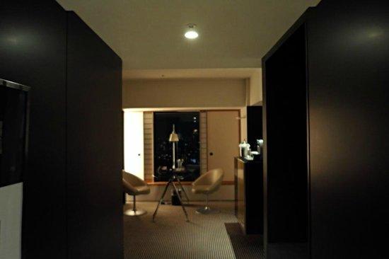 Hilton Tokyo: Eingang in Zimmer