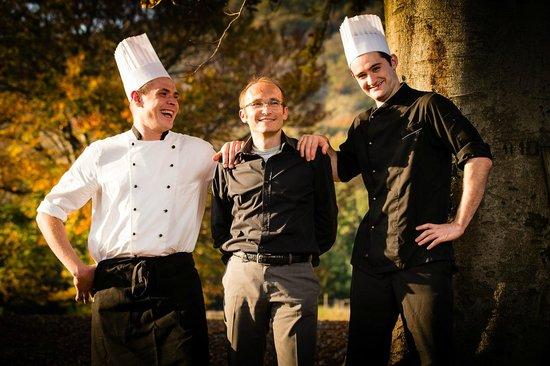 Vicania: Chef Daniele Giordano con Massimo Andreossi direttore e Mattia Armanasco ai dessert
