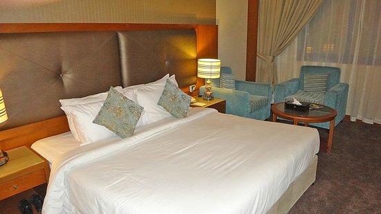 Summit Hotel: Deux lits confortables