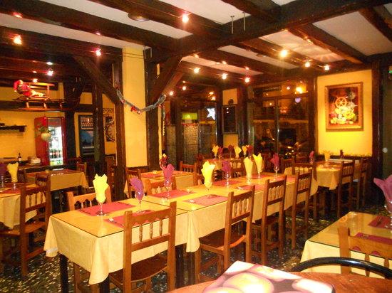 Restaurant Pizzeria El Vesubio: Sala del restaurante
