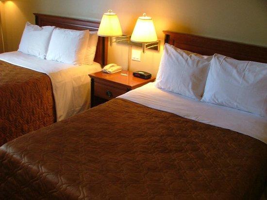 Hotel Motel Bonaparte: Section hôtel chambre à 2 lits