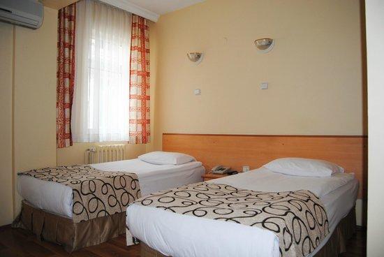 Hotel Acikgoz: Comfortable Beds