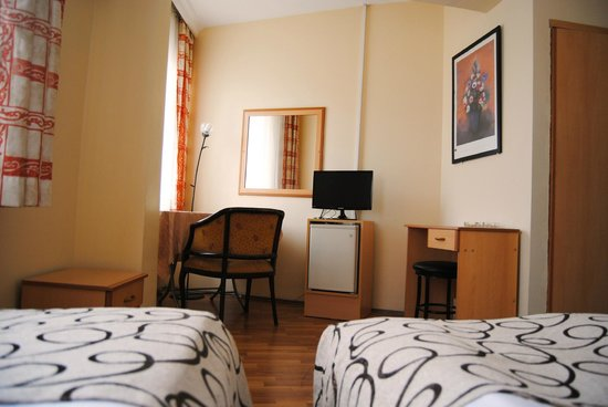 Hotel Acikgoz: All Rooms include 22inch LED Tv