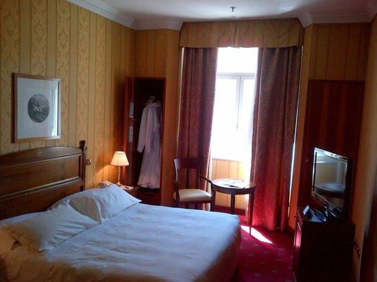 โรงแรมเบอรินี บริสตอล: Standard room