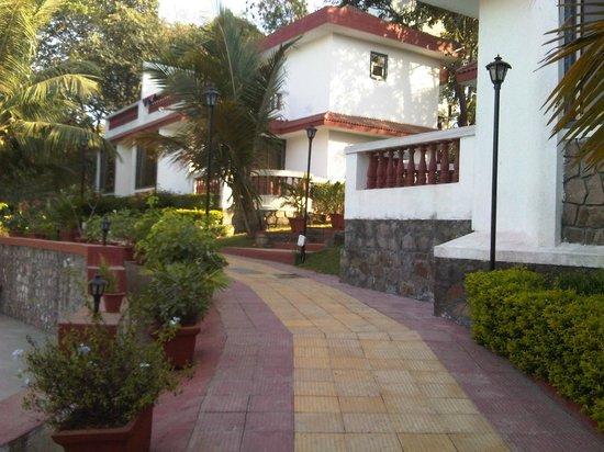 Golden Toff Resort: the cottages