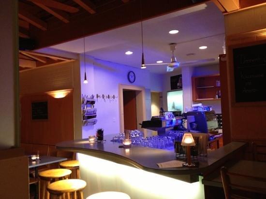 Subito: the bar