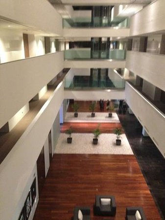 Hotel Diagonal Plaza: hall desde ascensor
