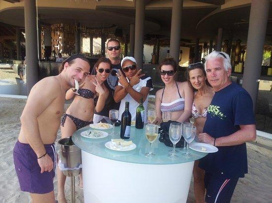 Paradisus Punta Cana Resort: Cata de vino y quesos en la playita