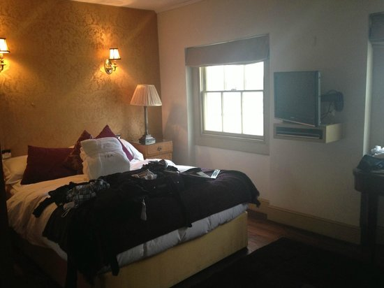 York & Albany: standard bedroom