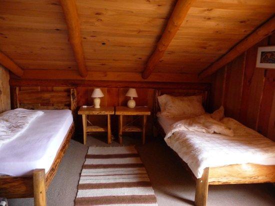 Ruka Rayen Guest House: la camera sembra piccola ma c'è anche una magnifica terrazza