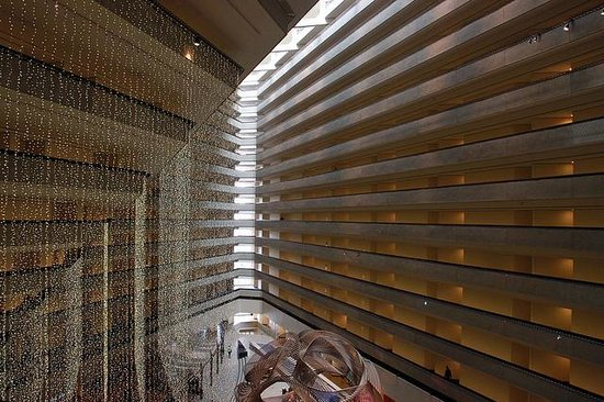 Hyatt Regency San Francisco: View of the lobby from above