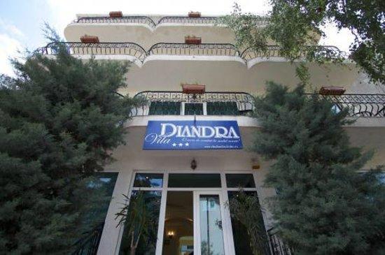 Vila Diandra: .