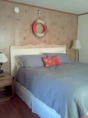 Wooden Boat Inn: rm #4