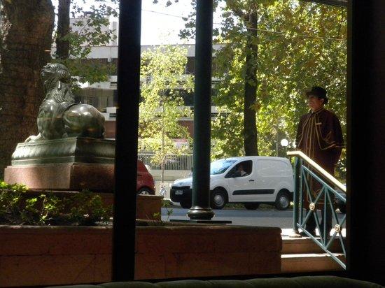 Park Plaza: Hotel entrance with doorman