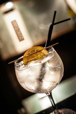 Delicious cocktails - ZINC BAR